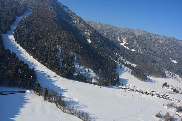 Foto: Hirschberglift im Schnee